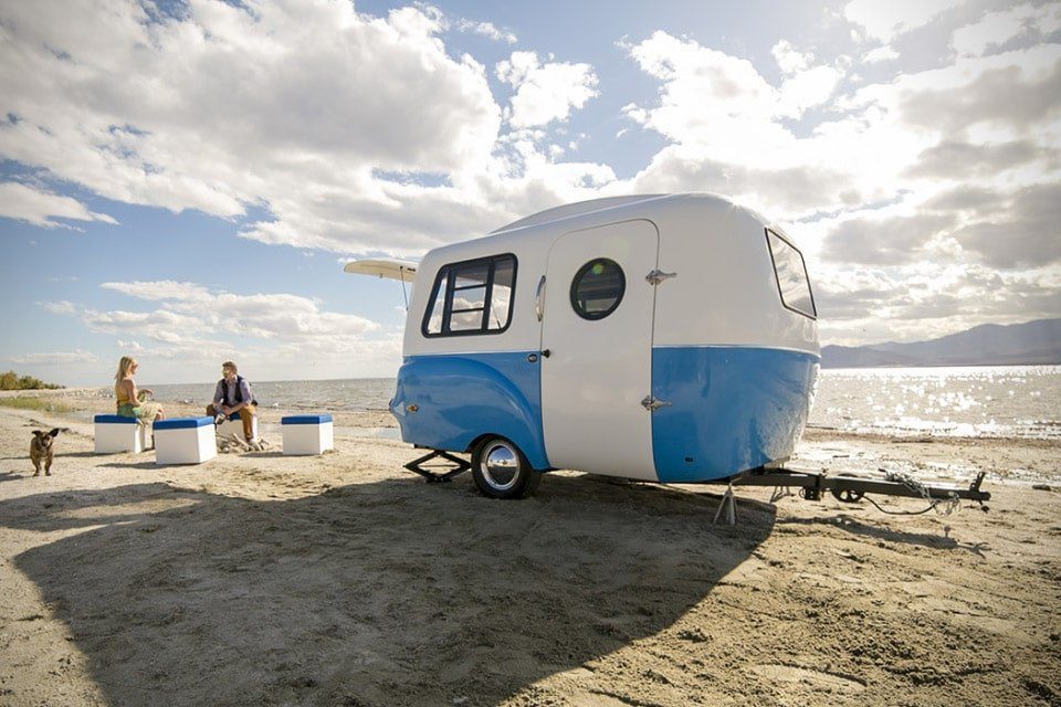 10 Awesome Retro Campers